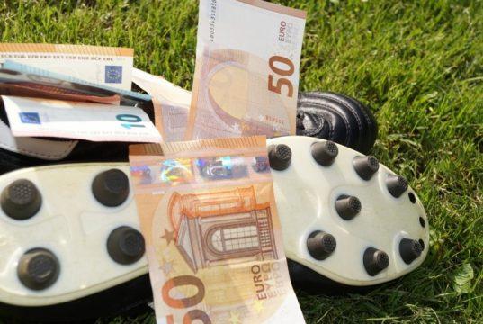 Fodboldspillernes lønninger - de 10 bedst betalte superligaspillere i 2017